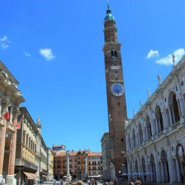 Piazza Dei Signorini Vicenza www.compassandfork.com